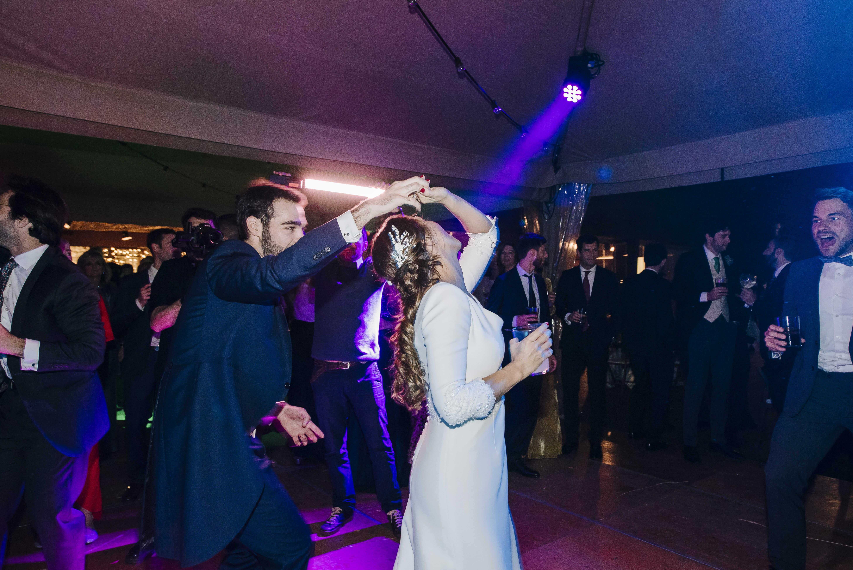 wedding dress tot-hom