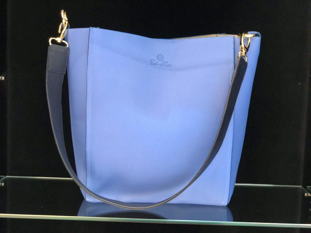 bolso de piel azul cielo tot-hom