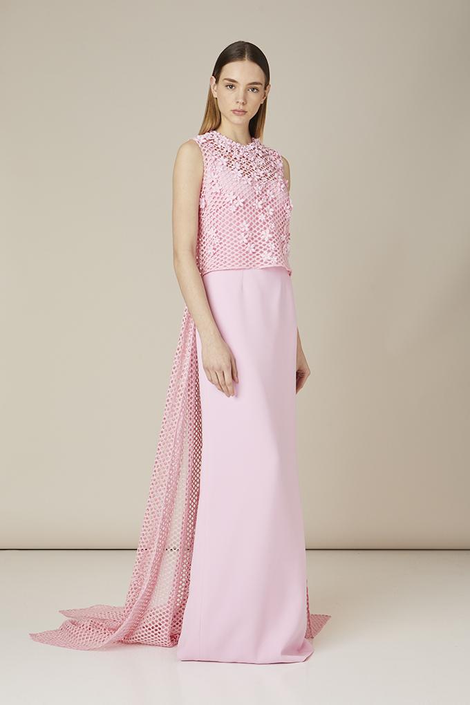 vestido invitada perfecta rosa con velo